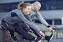 In 10 Wochen zu Top-Fitness – mit unserem Fitness-Coach trainieren Sie sich zu mehr Kraft, Kondition und weniger Fett